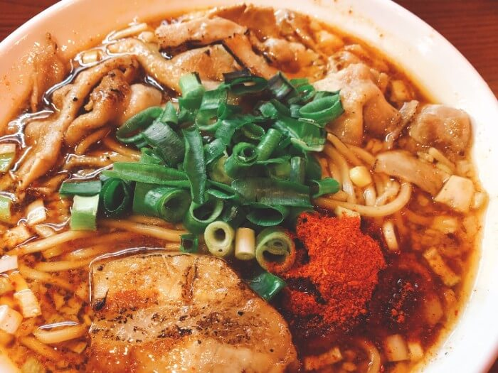 【鶴橋】辛口炙り肉ソバひるドラ|激辛ラーメン好きならレベル10に挑戦!