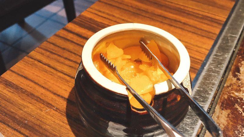 狸狸亭(ぽんぽこてい)のホルモン焼きとはこんな料理